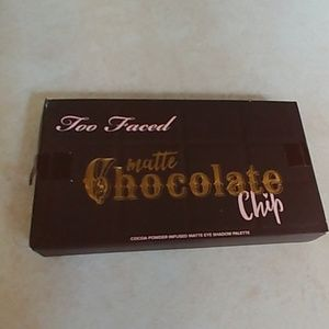 Too faced chocolate chip mini eye shadow pallet